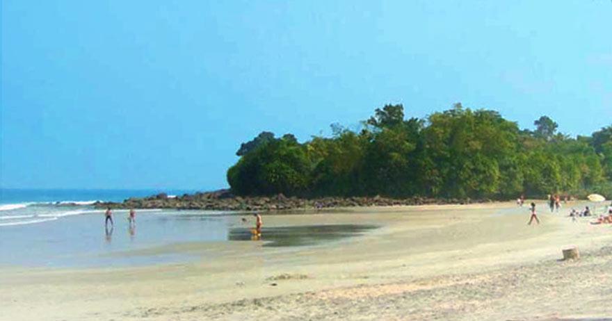 Conheça a Praia Preta