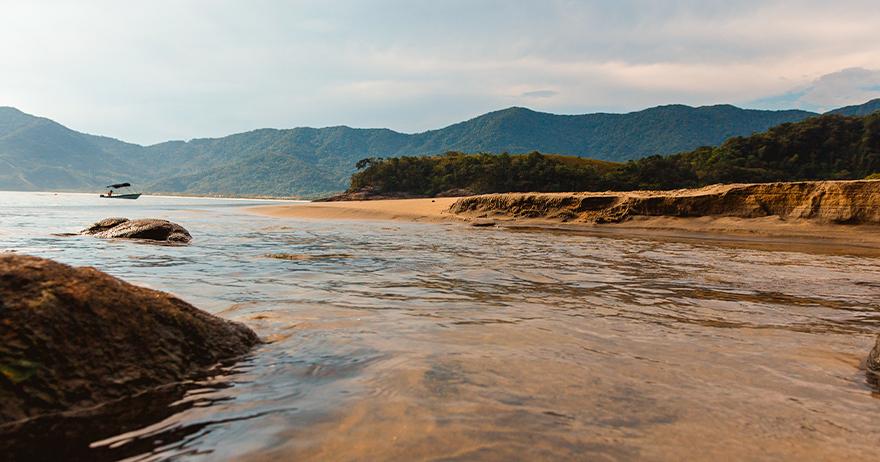 Por que o mar ajuda a relaxar?